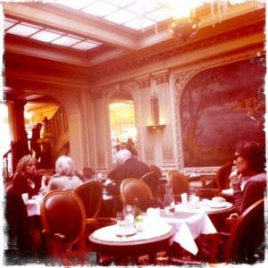 Angelina-Paris-salle