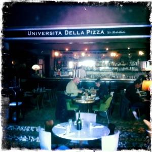 Università-della-pizza-intérieur