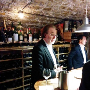 Philippe Faure Brac dans sa cave