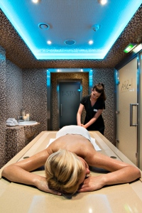 Deep Nature - I Spa Paris MD - Gommage personnage -® Ludovic Di Orio