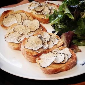 pain beurre truffe d'été artisan de la truffe foodwineandstyle